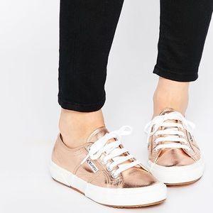 NIB   Superga Sneakers